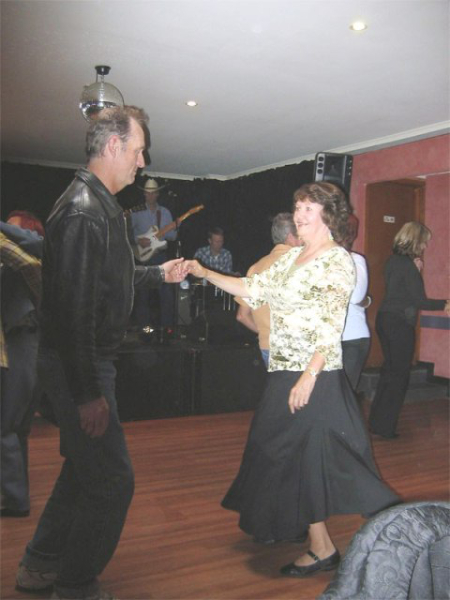 Dancing at the Bendigo hotel